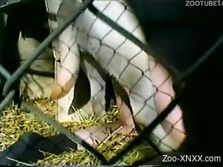 Brown-haired mature lady destroyed in a cage