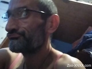 Mature guy with a skinny body fucks his own pet